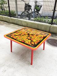 ロシアのロマノフ塗テーブル