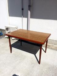 カリモクのレトロテーブル