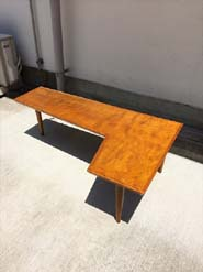 パシフィックファニチャーのローテーブル