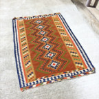 キリムの絨毯大
