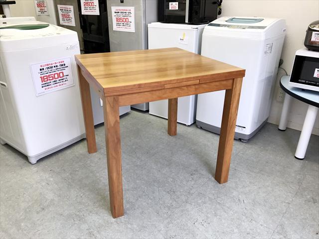ウニコのVIVOテーブル