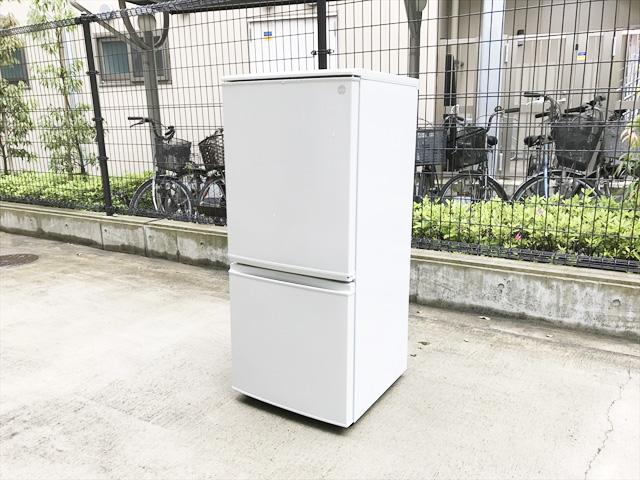 シャープ137L冷蔵庫詳細画像1