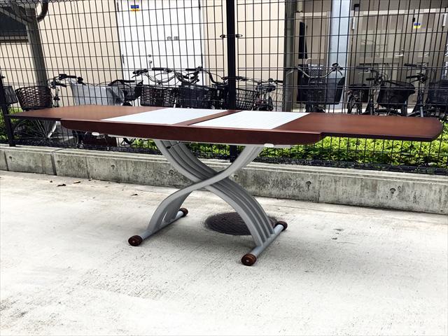オッジオのアップリフティングテーブル