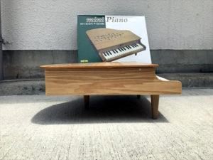 ミニピアノ 側面