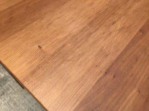 VIVOダイニングテーブル 天板隅
