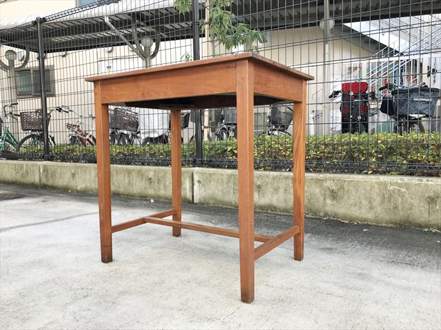 チーク材テーブル
