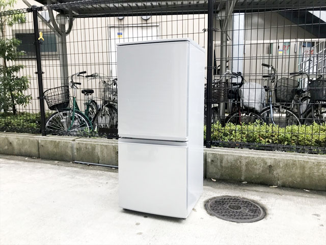 シャープ2017年製2ドア冷蔵庫