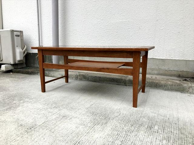 北欧スタイルリビングテーブル
