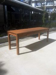 北欧パイン材を使用したワークテーブル