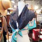 ティファニーのシルクスカーフ