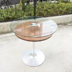 不二工芸のガラステーブル