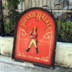 ジョニーウォーカーの看板