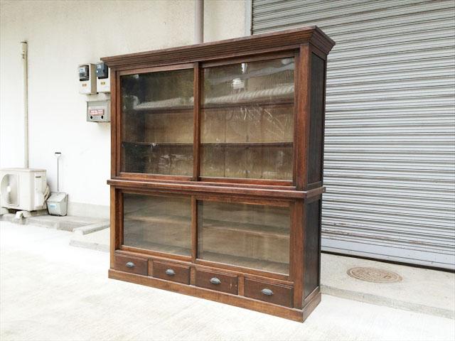 昭和のレトロ戸棚
