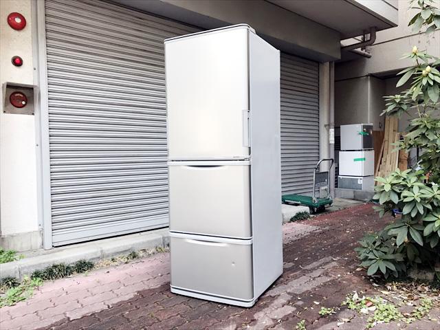 シャープの3ドア冷蔵庫詳細画像1