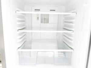 2ドア冷蔵庫 冷蔵室内部