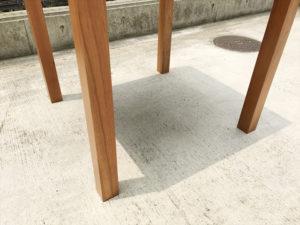 VIVOダイニングテーブル 脚部