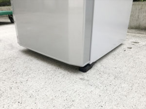 2ドア冷蔵庫 脚部