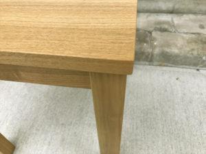 タモ材サイドテーブル 角部