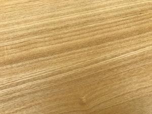 タモ材サイドテーブル 木目