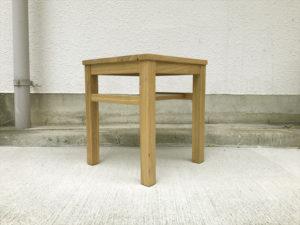 タモ材サイドテーブル 斜め