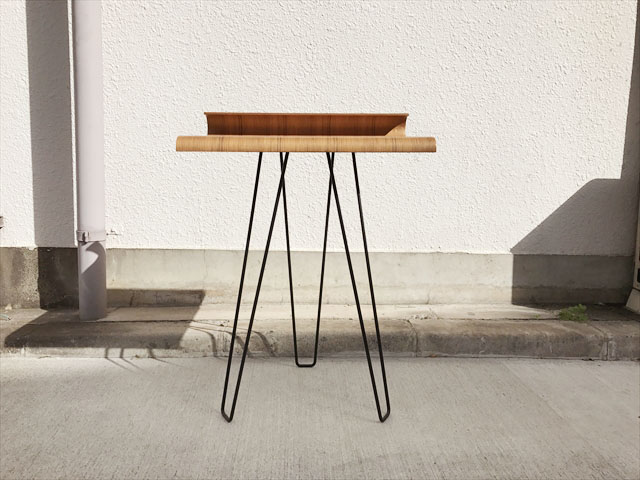 プライウッドサイドテーブル
