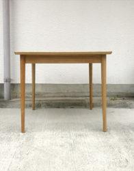 モモナチュラルエルモダイニングテーブル