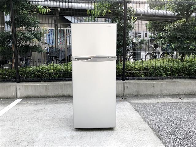 シャープトップフリーザー2ドア冷蔵庫2013年製