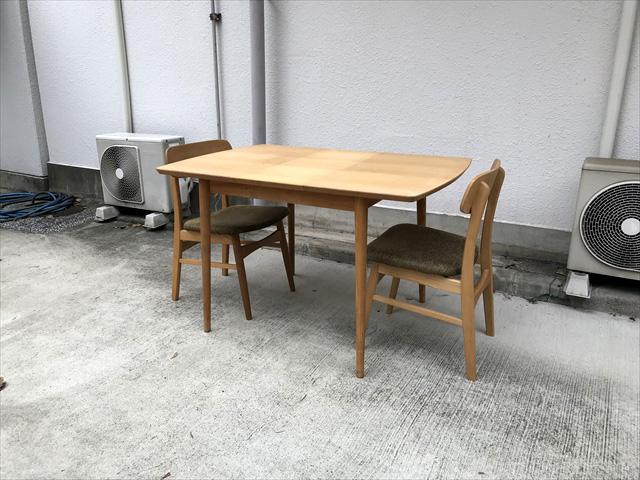 モモナチュラルダイニングテーブルとチェアセット