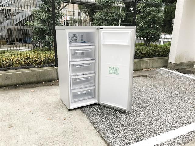 1ドア冷凍庫スタイリッシュデザイン